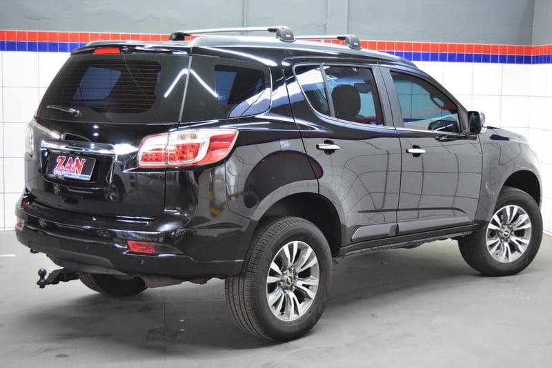 //www.autoline.com.br/carro/chevrolet/trailblazer-28-ltz-7l-16v-diesel-4p-4x4-turbo-automatico/2018/cuiaba-mt/15164490