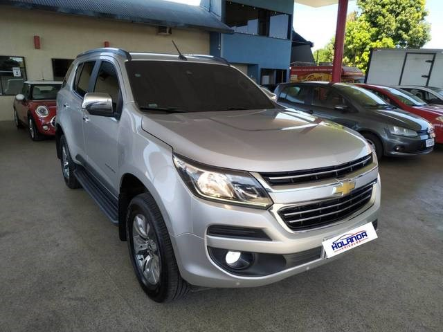 //www.autoline.com.br/carro/chevrolet/trailblazer-28-ltz-7l-16v-diesel-4p-4x4-turbo-automatico/2018/teresina-pi/15292434