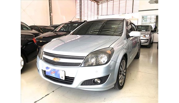 //www.autoline.com.br/carro/chevrolet/vectra-20-hatch-gt-8v-flex-4p-automatico/2011/campinas-sp/11431666