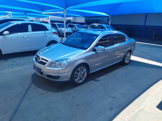 //www.autoline.com.br/carro/chevrolet/vectra-24-sedan-elite-16v-flex-4p-automatico/2008/amparo-sp/13089161