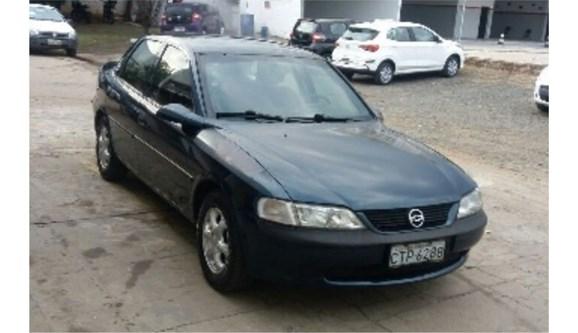 //www.autoline.com.br/carro/chevrolet/vectra-22-gls-8v-sedan-gasolina-4p-manual/1998/jaguariuna-sp/7616477