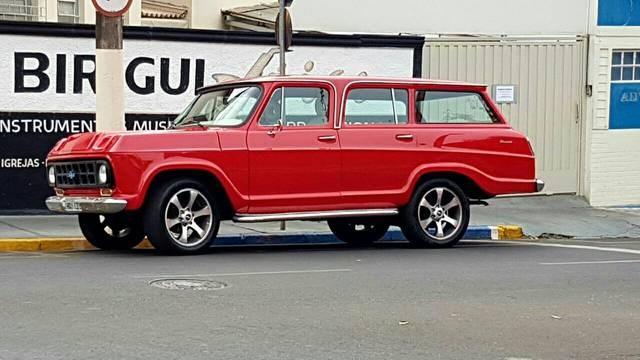 //www.autoline.com.br/carro/chevrolet/veraneio-41-custom-de-luxe-160cv-4p-gasolina-manual/1984/birigui-sp/14002010