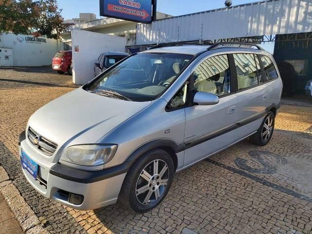 //www.autoline.com.br/carro/chevrolet/zafira-20-l-elegance-8v-flex-4p-automatico/2012/campinas-sp/12084110