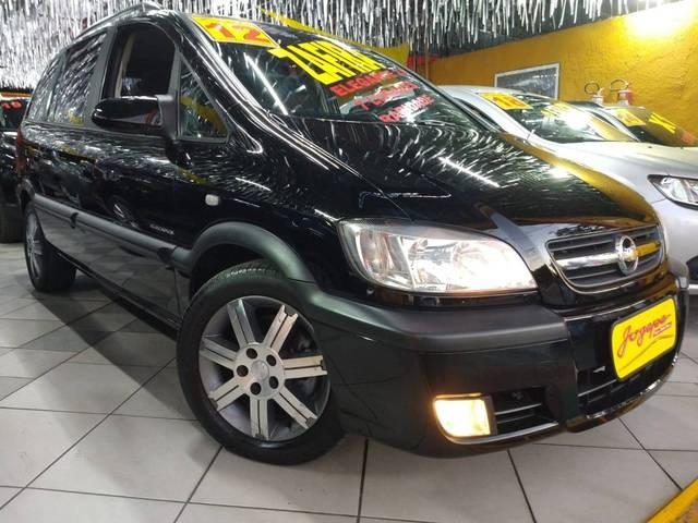 //www.autoline.com.br/carro/chevrolet/zafira-20-l-elegance-8v-flex-4p-automatico/2012/sao-paulo-sp/12852261