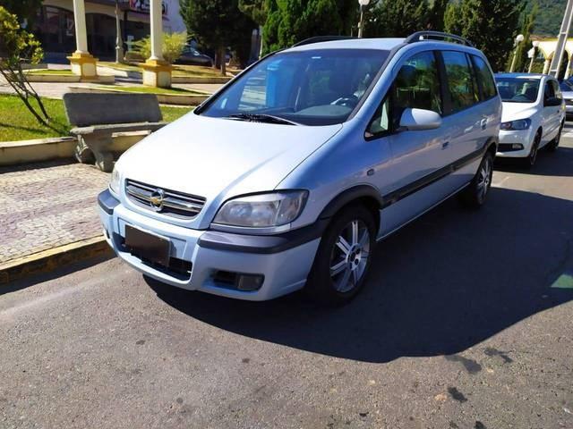 //www.autoline.com.br/carro/chevrolet/zafira-20-l-elegance-8v-flex-4p-automatico/2012/braganca-paulista-sp/14672565