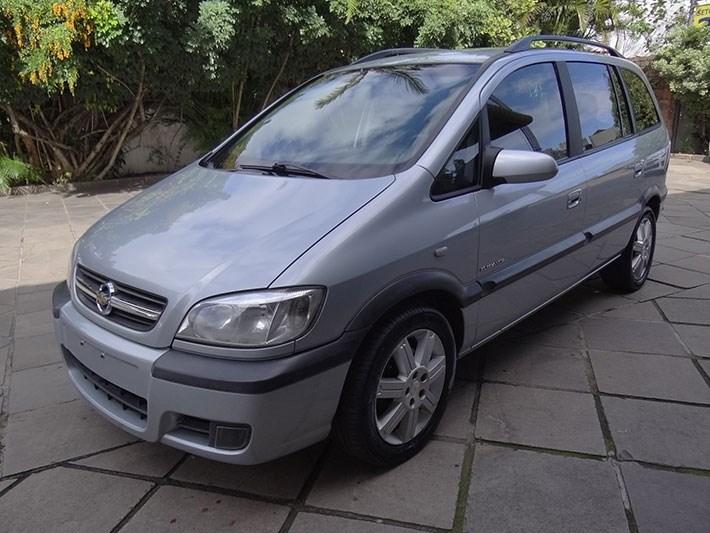 //www.autoline.com.br/carro/chevrolet/zafira-20-l-elegance-8v-flex-4p-automatico/2010/porto-alegre-rs/14691437