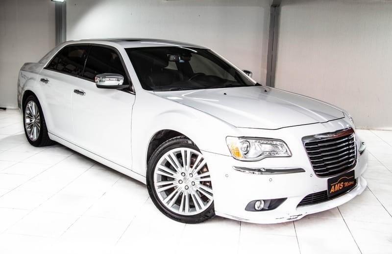 //www.autoline.com.br/carro/chrysler/300c-36-v6-gasolina-4p-automatico/2014/curitiba-pr/13933507