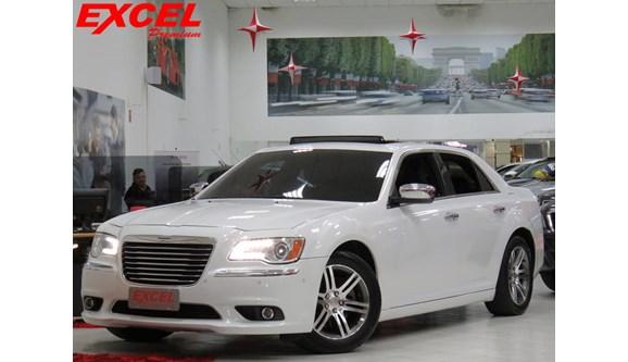 //www.autoline.com.br/carro/chrysler/300c-36-v6-gasolina-4p-automatico/2012/curitiba-pr/8443629