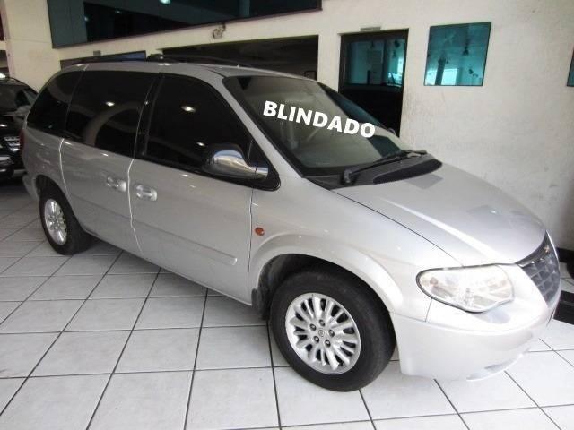 //www.autoline.com.br/carro/chrysler/caravan-33-lx-v-6-12v-4x2-182cv-4p-gasolina-automatic/2006/sao-paulo-sp/12940096