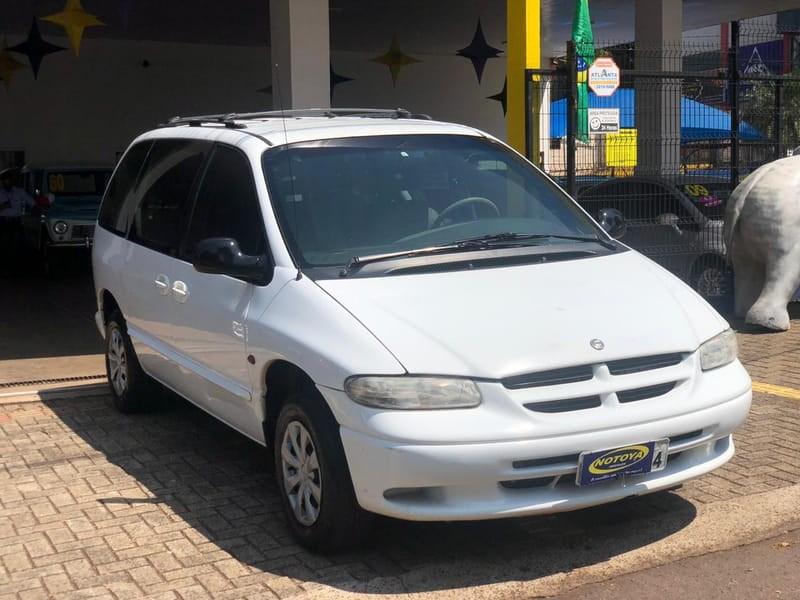 //www.autoline.com.br/carro/chrysler/grand-caravan-24-se-8v-gasolina-4p-automatico/2000/cascavel-pr/12642517