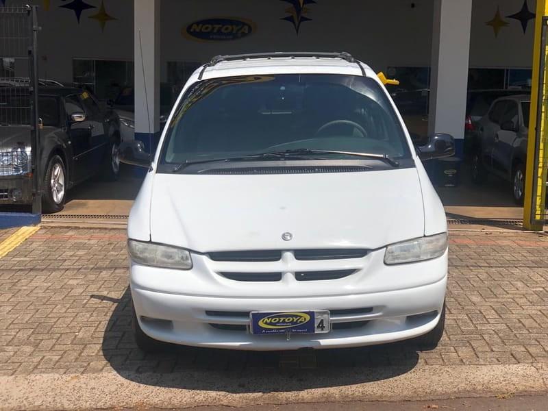 //www.autoline.com.br/carro/chrysler/grand-caravan-24-se-8v-gasolina-4p-automatico/2000/cascavel-pr/15167856