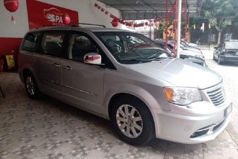 //www.autoline.com.br/carro/chrysler/town-country-36-v6-limited-24v-gasolina-4p-automatico/2012/curitiba-pr/14247125