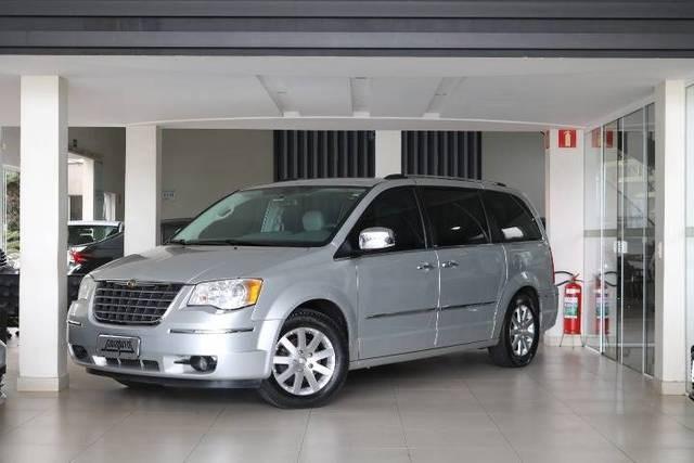 //www.autoline.com.br/carro/chrysler/town-country-38-limited-12v-gasolina-4p-automatico/2009/americana-sp/14416553