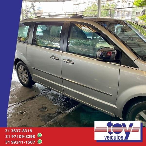 //www.autoline.com.br/carro/chrysler/town-country-38-limited-12v-gasolina-4p-automatico/2009/belo-horizonte-mg/14585123