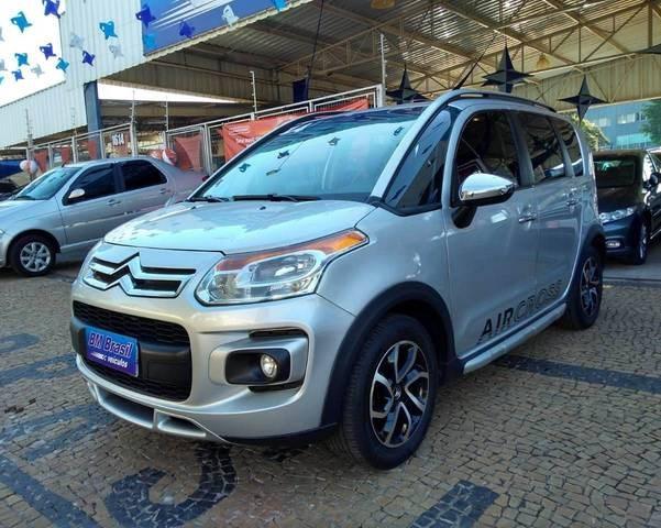 //www.autoline.com.br/carro/citroen/aircross-16-exclusive-16v-flex-4p-automatico/2014/campinas-sp/11753603