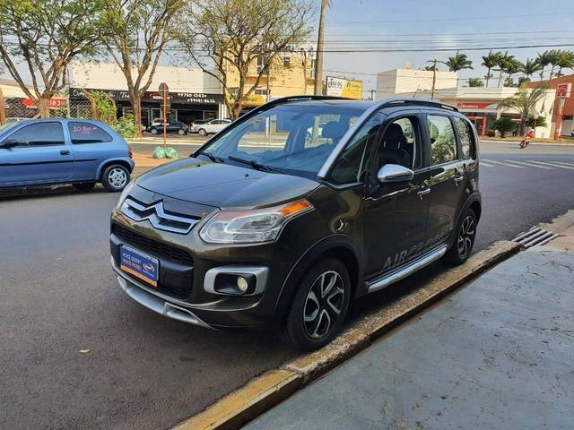 //www.autoline.com.br/carro/citroen/aircross-16-exclusive-16v-flex-4p-automatico/2012/jau-sp/12357198