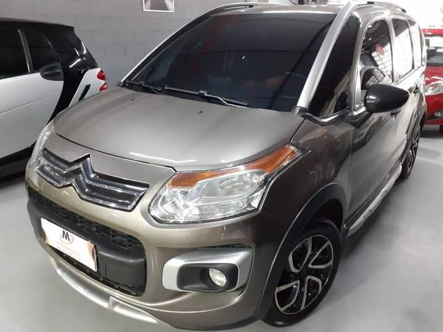 //www.autoline.com.br/carro/citroen/aircross-16-glx-16v-flex-4p-automatico/2013/sao-paulo-sp/12567438