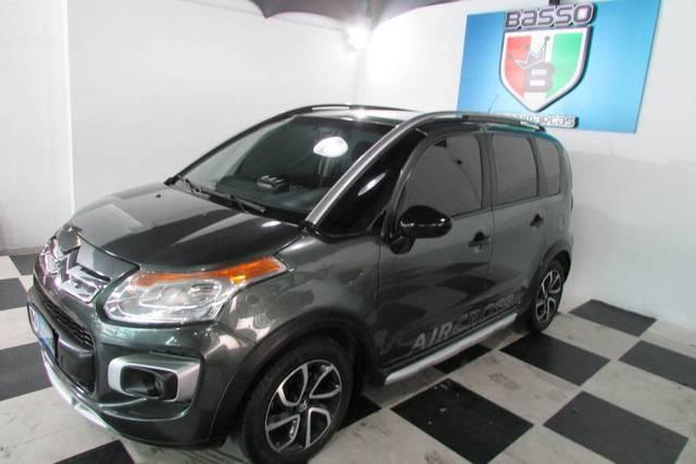 //www.autoline.com.br/carro/citroen/aircross-16-exclusive-16v-flex-4p-automatico/2012/sao-paulo-sp/13128742