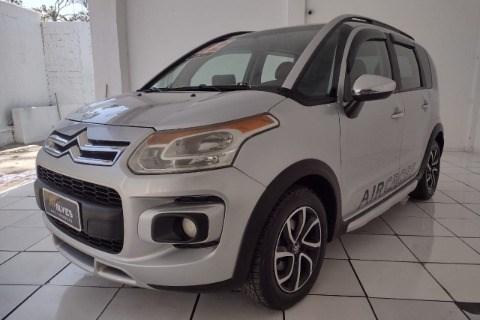 //www.autoline.com.br/carro/citroen/aircross-16-exclusive-16v-flex-4p-automatico/2012/sao-paulo-sp/15708922