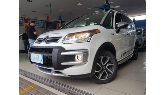 //www.autoline.com.br/carro/citroen/aircross-16-exclusive-atacama-16v-flex-4p-automatico/2014/campinas-sp/7278901