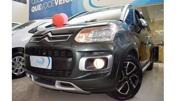 //www.autoline.com.br/carro/citroen/aircross-16-exclusive-16v-flex-4p-automatico/2012/campinas-sp/7853315