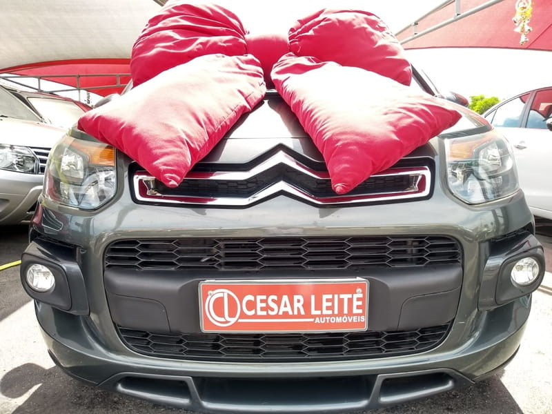 //www.autoline.com.br/carro/citroen/aircross-16-exclusive-16v-flex-4p-automatico/2015/curitiba-pr/9197450