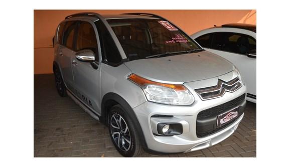 //www.autoline.com.br/carro/citroen/aircross-16-exclusive-16v-flex-4p-automatico/2012/cascavel-pr/9453873