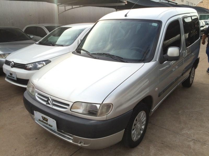 //www.autoline.com.br/carro/citroen/berlingo-16-multispace-glx-16v-gasolina-4p-manual/2006/campo-grande-ms/14440658