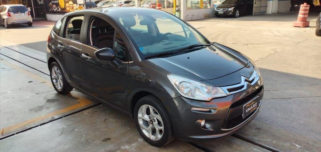 //www.autoline.com.br/carro/citroen/c3-16-exclusive-16v-flex-4p-automatico/2014/sao-paulo-sp/12488697
