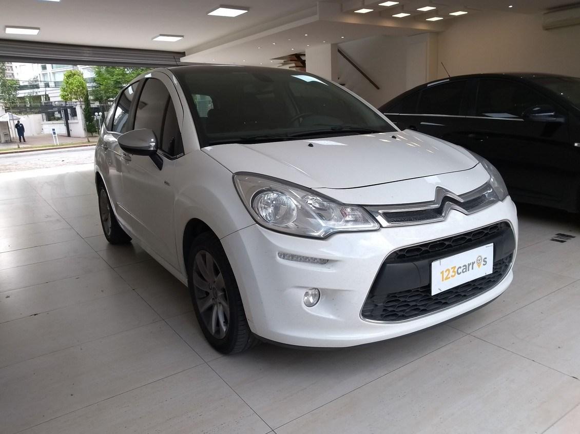 //www.autoline.com.br/carro/citroen/c3-16-exclusive-16v-flex-4p-automatico/2014/sao-paulo-sp/12704028