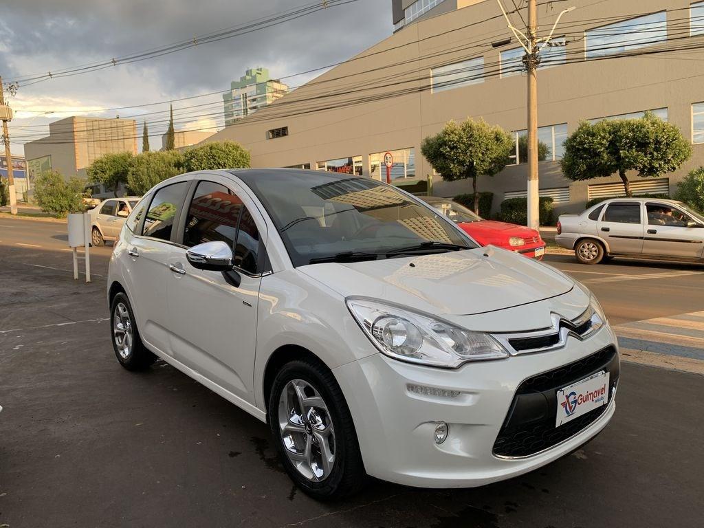 //www.autoline.com.br/carro/citroen/c3-16-120-exclusive-16v-flex-4p-manual/2014/rio-verde-go/12971135