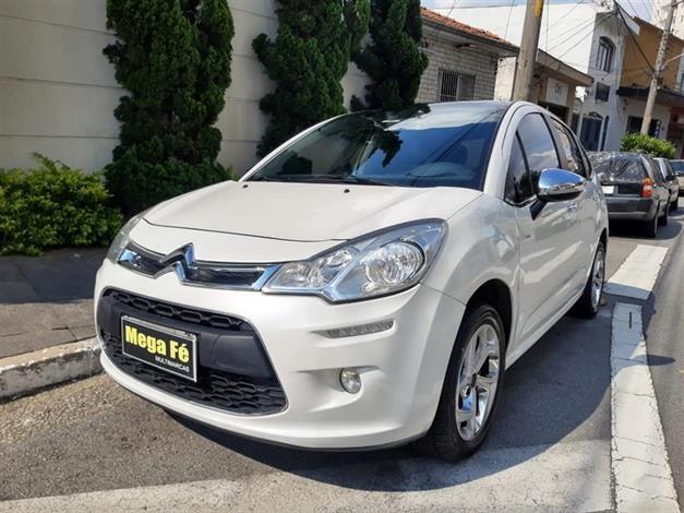 //www.autoline.com.br/carro/citroen/c3-16-120-exclusive-16v-flex-4p-automatico/2013/sao-paulo-sp/14414832