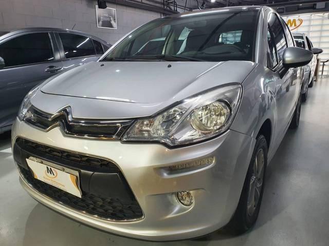 //www.autoline.com.br/carro/citroen/c3-16-120-tendance-16v-flex-4p-automatico/2015/sao-paulo-sp/15196607