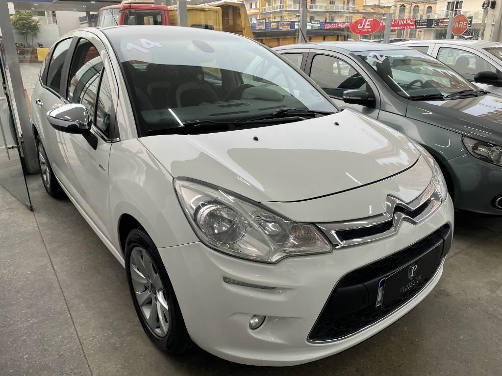//www.autoline.com.br/carro/citroen/c3-16-120-exclusive-16v-flex-4p-automatico/2014/palhoca-sc/15434417
