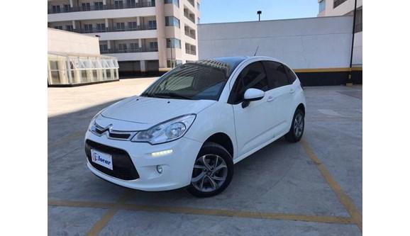 //www.autoline.com.br/carro/citroen/c3-16-tendance-16v-115cv-4p-flex-automatico/2015/osasco-sp/9628387