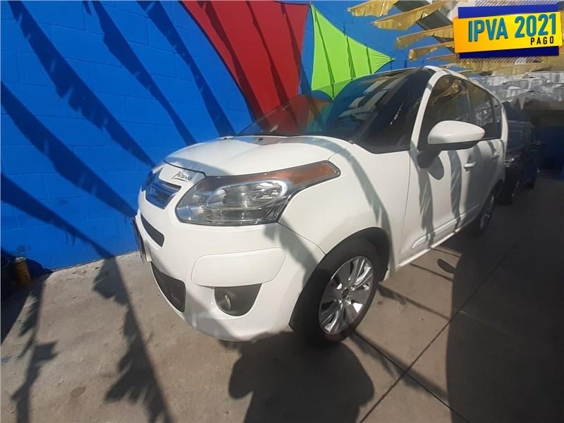 //www.autoline.com.br/carro/citroen/c3-picasso-16-glx-16v-flex-4p-automatico/2014/rio-de-janeiro-rj/15581634