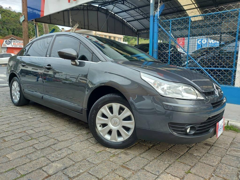 //www.autoline.com.br/carro/citroen/c4-20-sedan-pallas-exclusive-16v-flex-4p-automat/2013/blumenau-sc/14483947