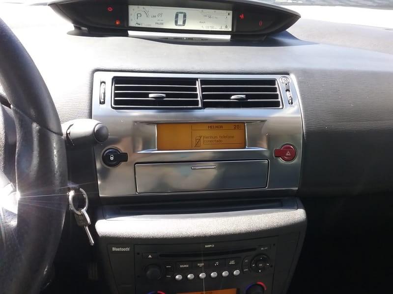 //www.autoline.com.br/carro/citroen/c4-20-glx-pallas-16v-sedan-flex-4p-automatico/2011/mogi-das-cruzes-sp/8809092