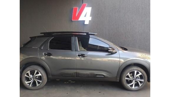 //www.autoline.com.br/carro/citroen/c4-cactus-16-shine-16v-flex-4p-automatico/2019/campo-grande-ms/12204834