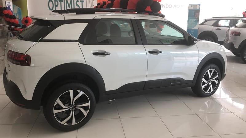 //www.autoline.com.br/carro/citroen/c4-cactus-16-shine-16v-flex-4p-automatico/2021/sao-luis-ma/13051708