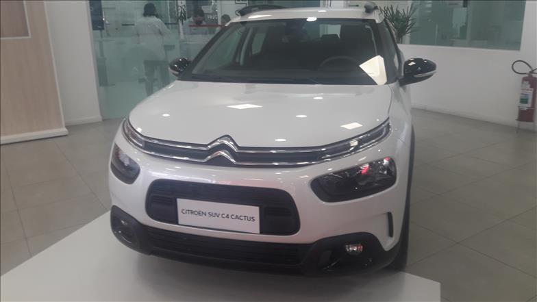 //www.autoline.com.br/carro/citroen/c4-cactus-16-shine-pack-16v-flex-4p-turbo-automatico/2022/sao-paulo-sp/14618020