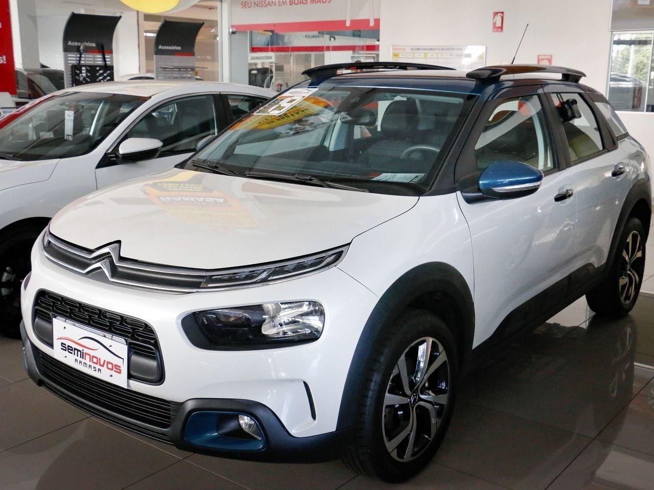 //www.autoline.com.br/carro/citroen/c4-cactus-16-shine-16v-flex-4p-turbo-automatico/2019/goiania-go/14655192