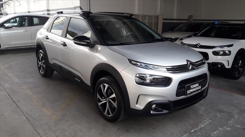 //www.autoline.com.br/carro/citroen/c4-cactus-16-shine-16v-flex-4p-turbo-automatico/2019/sao-paulo-sp/15187697