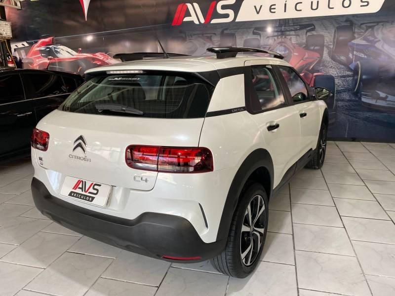 //www.autoline.com.br/carro/citroen/c4-cactus-16-shine-pack-16v-flex-4p-turbo-automatico/2019/itajai-sc/15607016