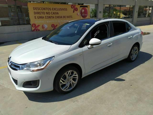 //www.autoline.com.br/carro/citroen/c4-lounge-16-exclusive-16v-gasolina-4p-automatico/2014/belo-horizonte-mg/12941099