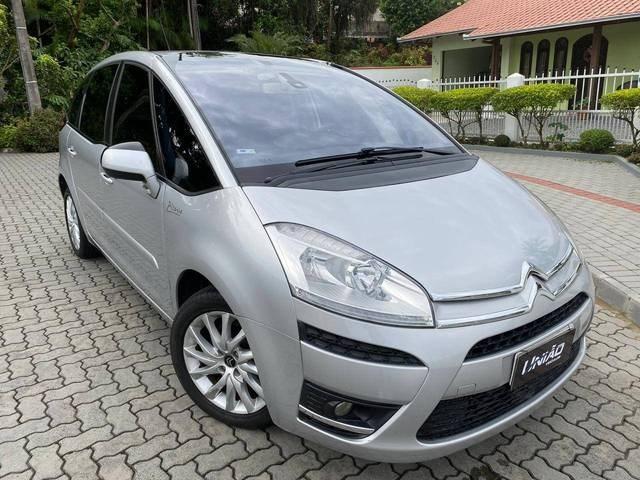 //www.autoline.com.br/carro/citroen/c4-picasso-20-la-luna-16v-gasolina-4p-automatico/2013/joinville-sc/13478165