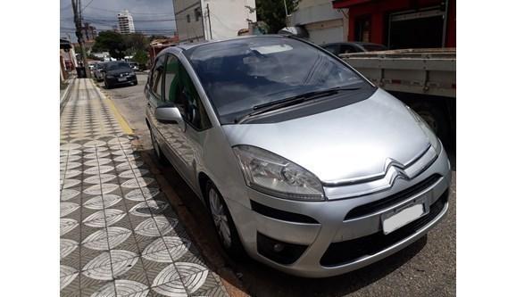 //www.autoline.com.br/carro/citroen/c4-picasso-20-16v-gasolina-4p-automatico/2014/sorocaba-sp/5456634
