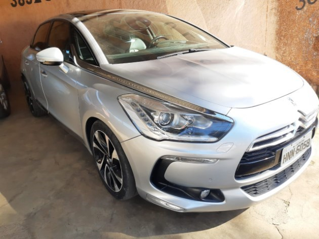 //www.autoline.com.br/carro/citroen/ds5-16-thp-16v-165cv-4p-gasolina-tiptronic/2013/patrocinio-mg/11958518