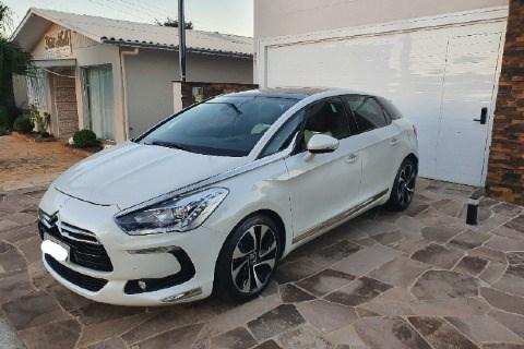 //www.autoline.com.br/carro/citroen/ds5-16-165-16v-gasolina-4p-turbo-automatico/2014/viadutos-rs/14683311