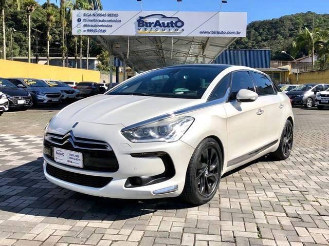 //www.autoline.com.br/carro/citroen/ds5-16-165-16v-gasolina-4p-turbo-automatico/2013/joinville-sc/15604679